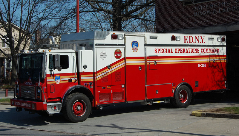FirePix1075   FDNY Apparatus   FDNY Decon 251