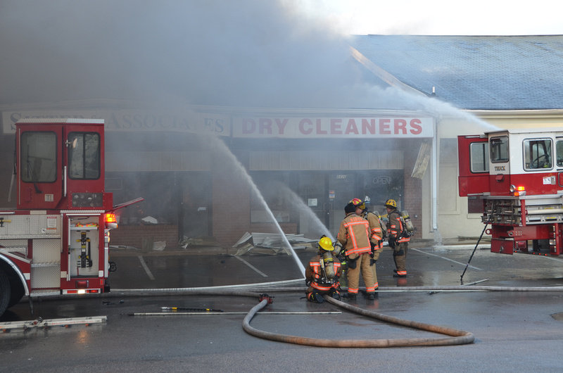 Firepix1075 3 Alarm Building Fire In Rosedale Md